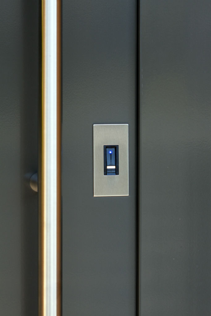 Makrowin vchodové dvere + Ekey